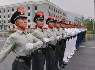 【威武】山西绛县槐泉村小伙王凤涛两次参加国庆大阅兵!