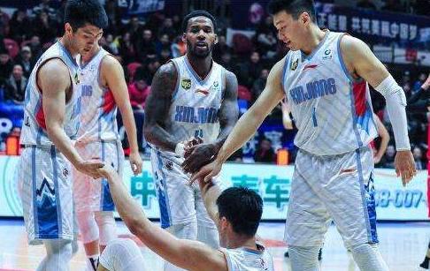 新疆男篮将士:士气高涨已做好准备 决赛要打出新疆的精气神