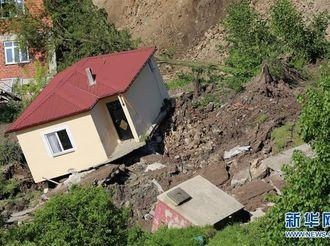 土耳其奥尔杜省发生山体滑坡