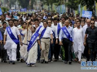水荒问题严峻 印度爆发游行活动呼吁节约用水