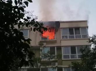 四季绿城一住户家中突发火灾