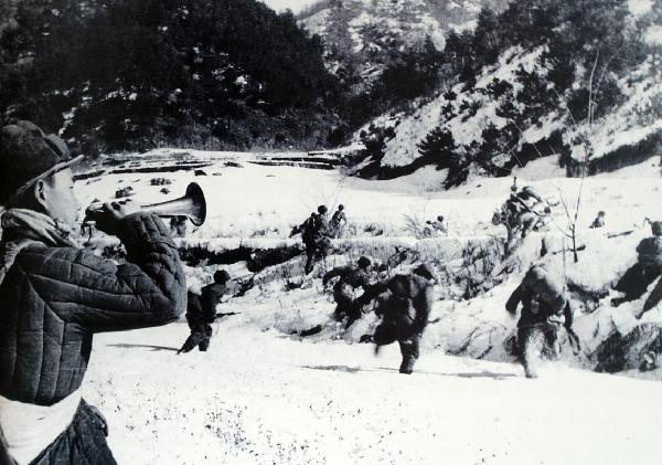 文物中的抗美援朝丨英雄號手鄭起使用過的軍號