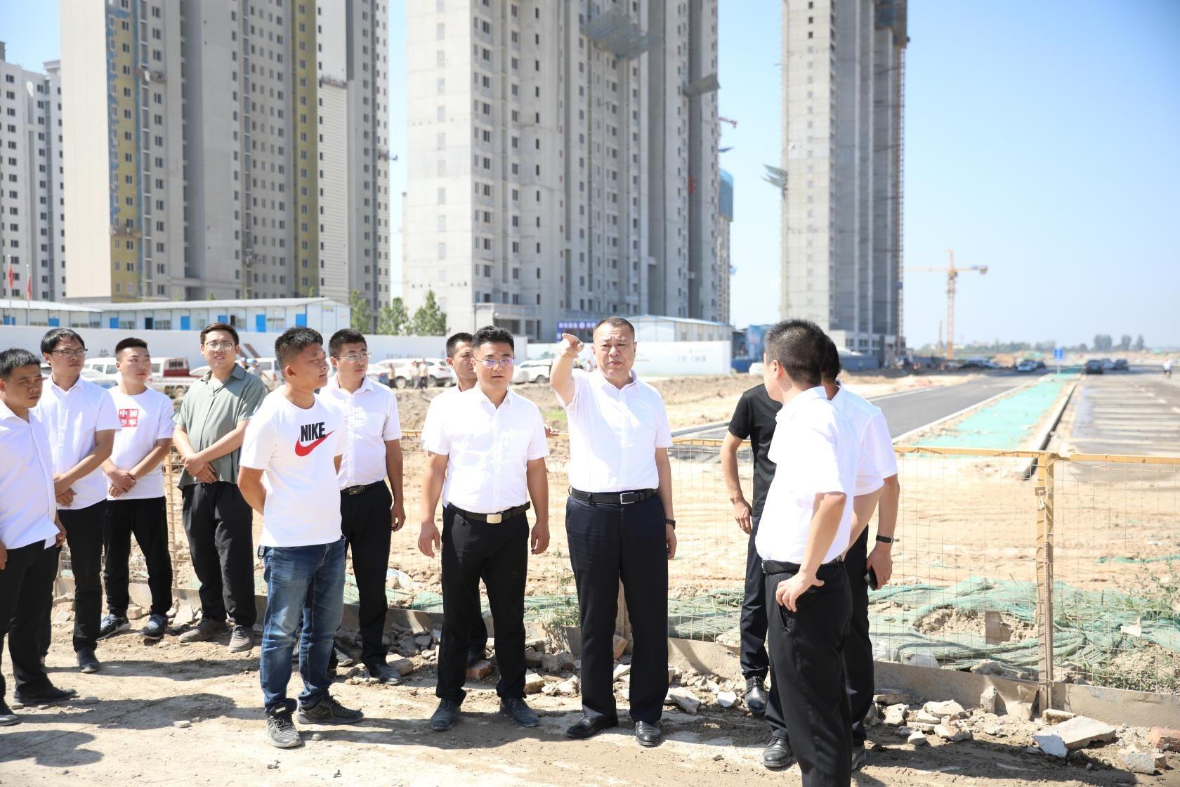 李晓辉董事长实地督导运稷路收费站拆除和 重点项目建设工作