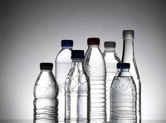 會桌上每年浪費上千萬瓶水